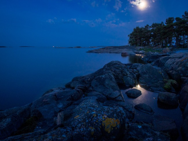 Enjoying the full moon in the Helsinki archipelago