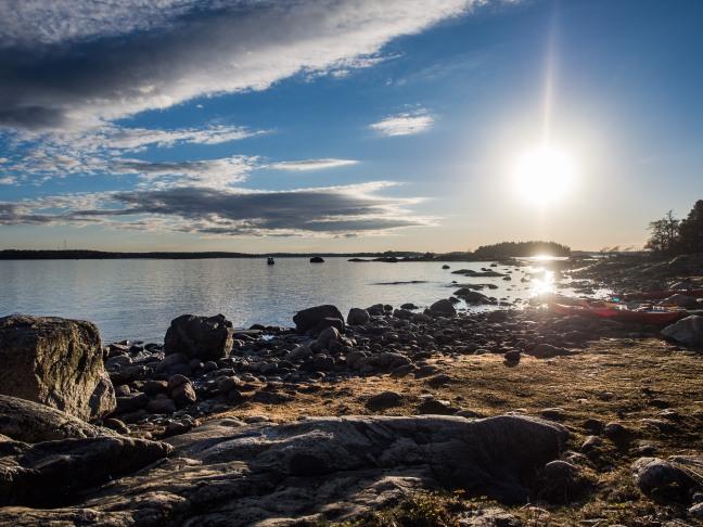 Evening sun at Pihlajaluoto, Helsinki